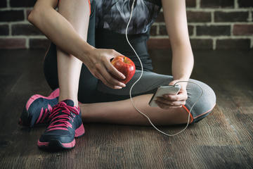 Why You Should Have a Small Snack After Every Workout