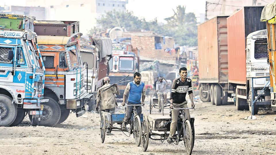 Delhi's pollution hotspots: DTU home to heavy vehicles, foul air