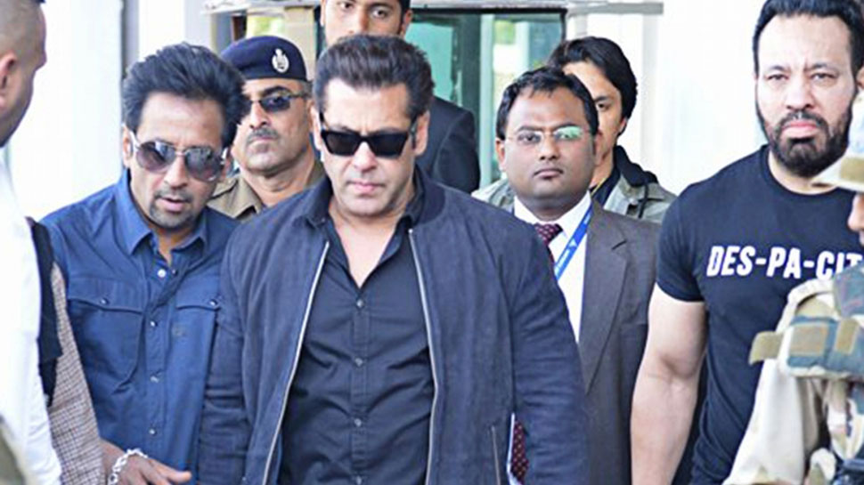 Salman gets escorted to home by cops after threat disrupts shoot in Mumbai