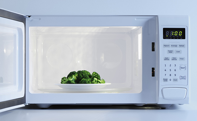 Beware! Diseases You Never Knew Your Microwave Was Causing!