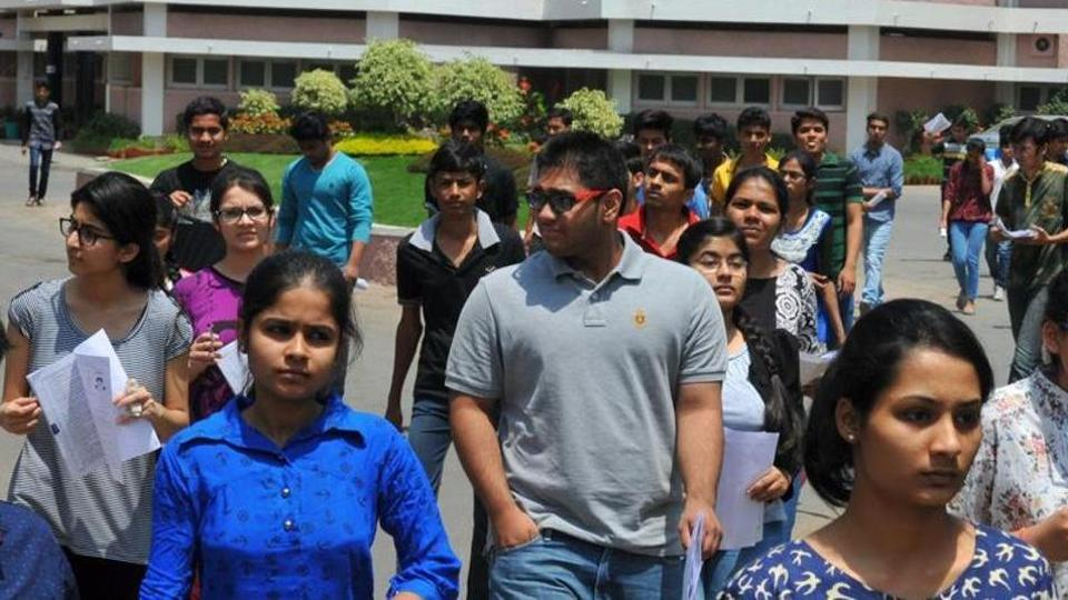JEE-Main: Class 11 science students can be scribes for aspirants with disabilities