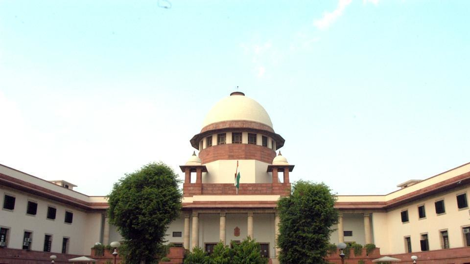 SC row: Shiv Sena trains guns on Centre; lauds judges for speaking out