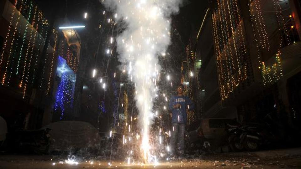 Pollution-free Diwali by 2018? Scientists working on smokeless, reusable electronic-firecrackers