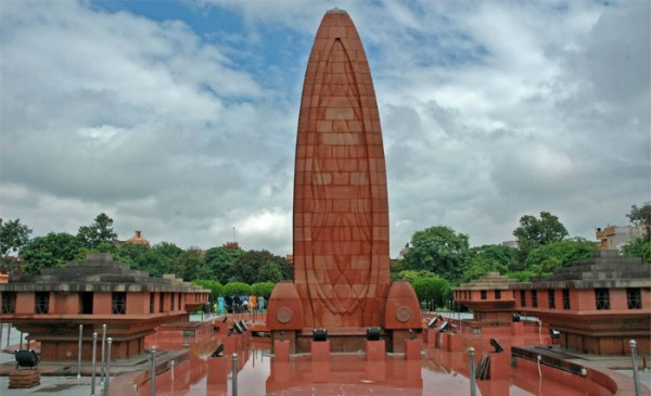 8 Pictures That Will Leave You Teary Eyed On Jallianwala Bagh