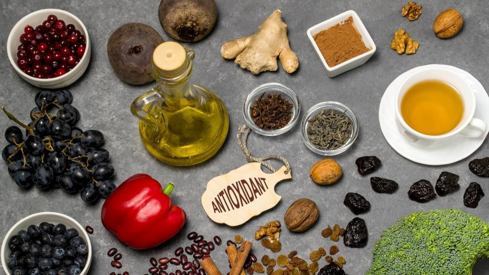 Live longer: 8 tips to slow down ageing with antioxidant-rich food