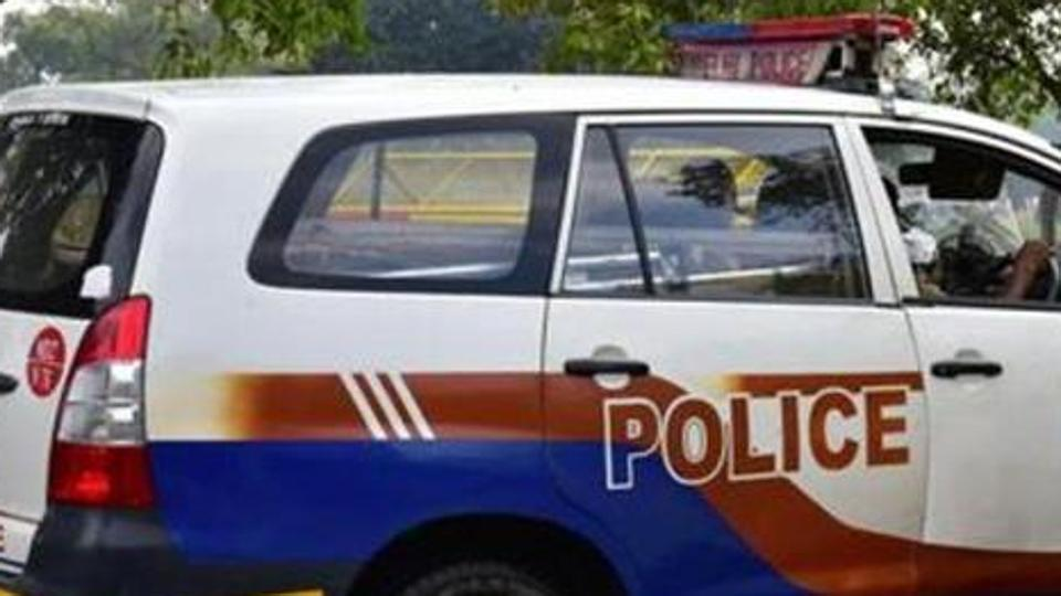 Goons hijack police van, wear khaki uniform and kidnap girl