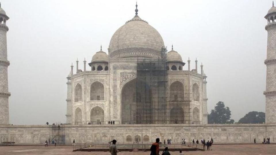 Now pay more to see Taj Mahal: Rs 50 to enter, Rs 200 extra to see main mausoleum