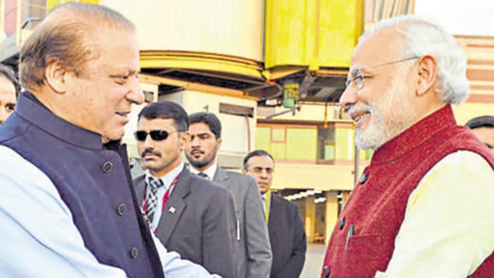 A Rs 2.86 lakh bear hug that may have cost Nawaz Sharif his job