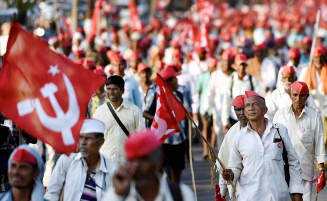 Thousands Of Farmers In Mumbai On Overnight March Before Showdown Today