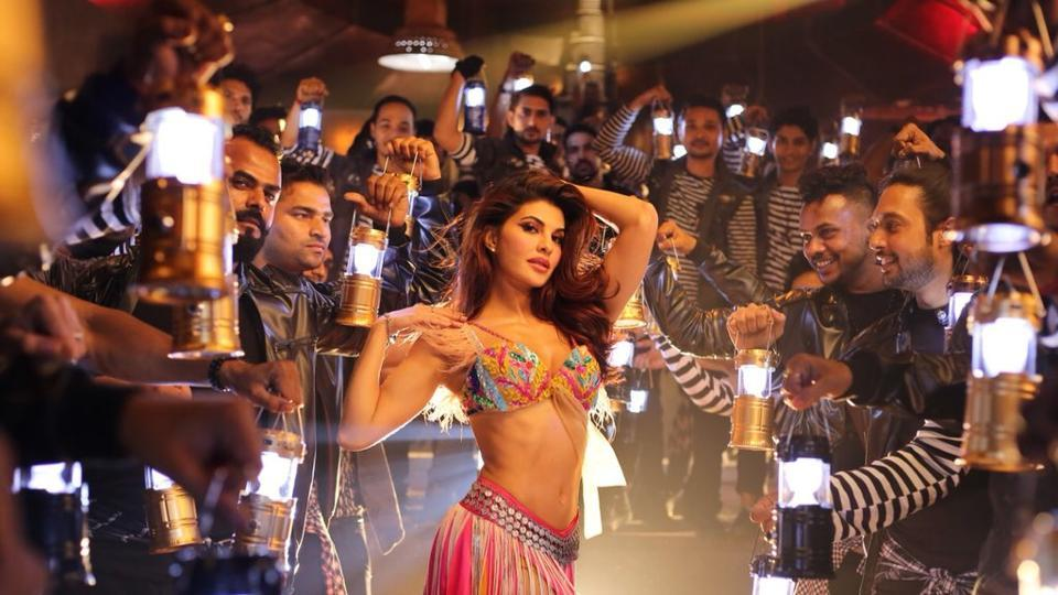 People really seem to hate Jacqueline Fernandez's 'worst remake ever' of Ek Do Teen