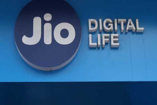 Reliance Jio is hiring 12th pass candidates! Here is how you can grab a job in this telco major