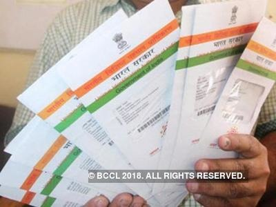 Telecom companies ignore SC, pester users on Aadhaar link