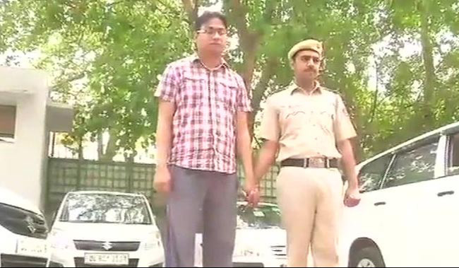 With Stolen Facebook, Instagram Photos, Gurgaon Man Ran Profitable Scam