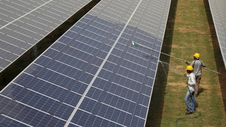Corporate funding in solar sector declines 65% to USD 2 bn in Q1 2018: Report