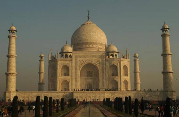 Taj Mahal turning brown and green, says worried Supreme Court