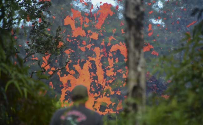 Lava Fountains And Noxious Gas Near Kilauea Volcano Send Residents Fleeing