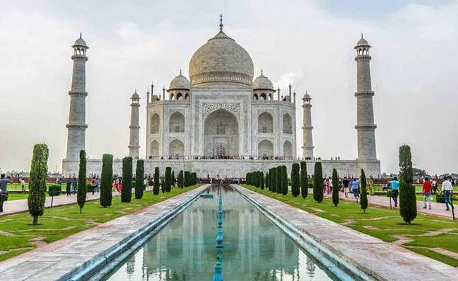 """Can Algae Fly?"" Asks Supreme Court, Upset Over Taj Mahal Changing Colour"