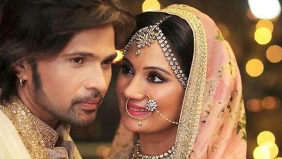 Himesh Reshammiya marries actor Sonia Kapoor, shares photos from midnight wedding