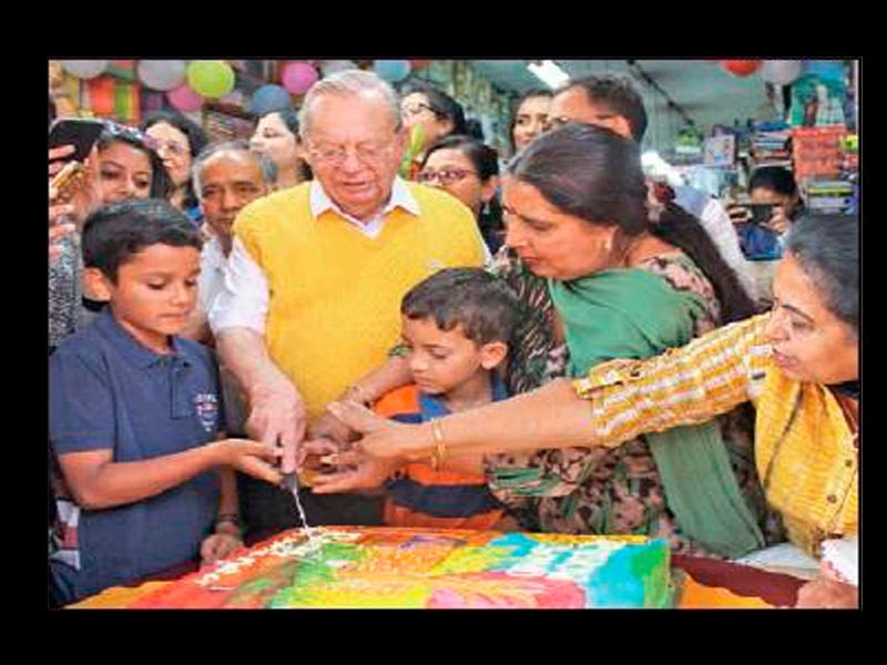 When Ruskin Bond was mistaken for a ghost at a hotel in Lucknow