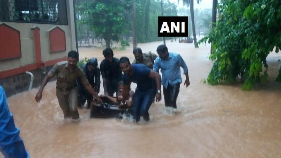 Heavy rains lash Karnataka, PM Modi assures help, Kumaraswamy takes stock