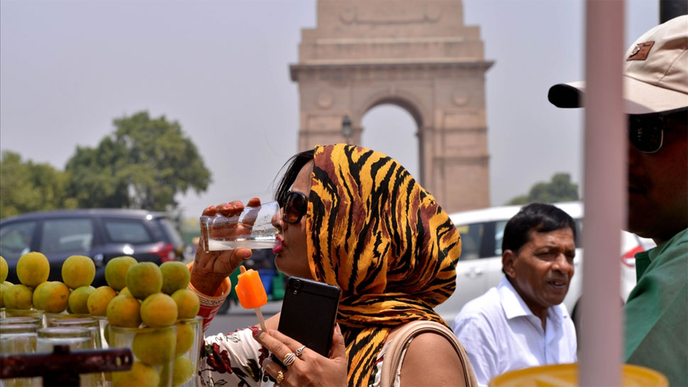 If Delhi heatwave is making you ill, try these easy tips to keep yourself hydrated
