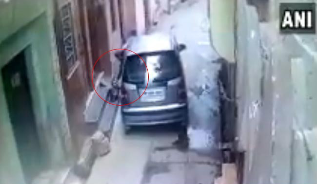 Woman Drops Newborn Onto Street From Car In UP