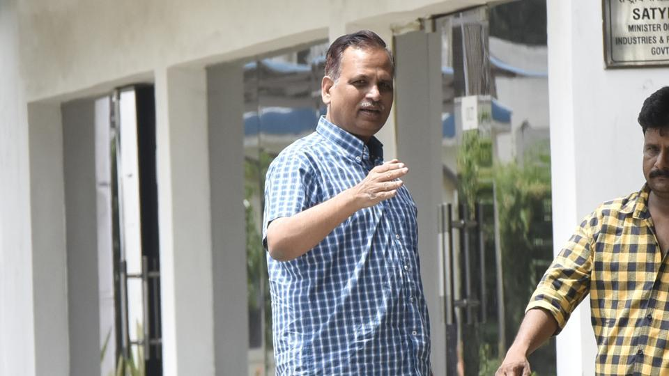 AAP minister Satyendar Jain, on hunger strike at Delhi L-G's office, hospitalised