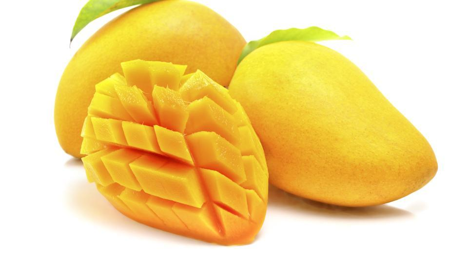 Mango is good for diabetes? Dietitians on why you shouldn't have more than a slice daily