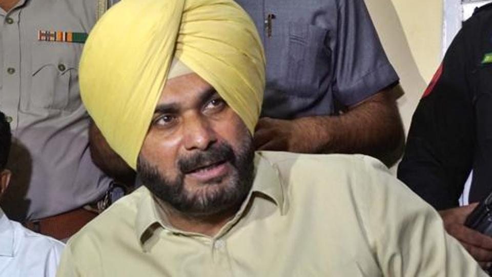 Navjot Sidhu's suspends Punjab civic body officials, but they stay on duty