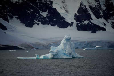 UAE to tow Antarctic icebergs for water need