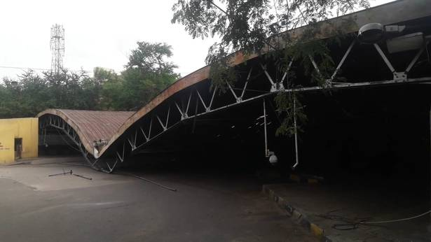 Eight decade-old Mississipi hangar used as bus shelter collapses in Hyderabad