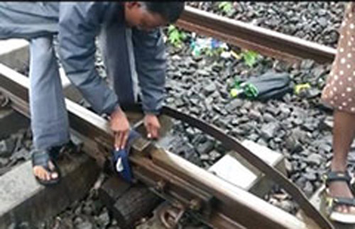 "In Video, Cloth Used To ""Tie"" Damaged Mumbai Track, Railways Clarifies"