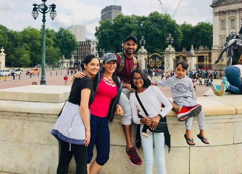 Shikhar Dhawan And Family Visit Buckingham Palace