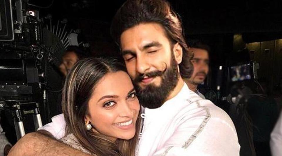 Ranveer Singh is showering kisses on Deepika Padukone's new pic. He was caught in the act