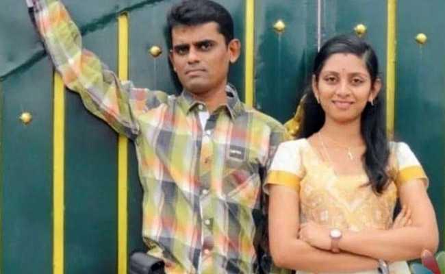 Tamil Nadu Man Delivers Baby Aided By Videos On Social Media, Wife Dies