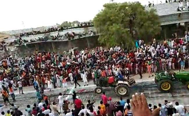 On Video, Roof Collapses After Hundreds Climb To Watch Race In Rajasthan