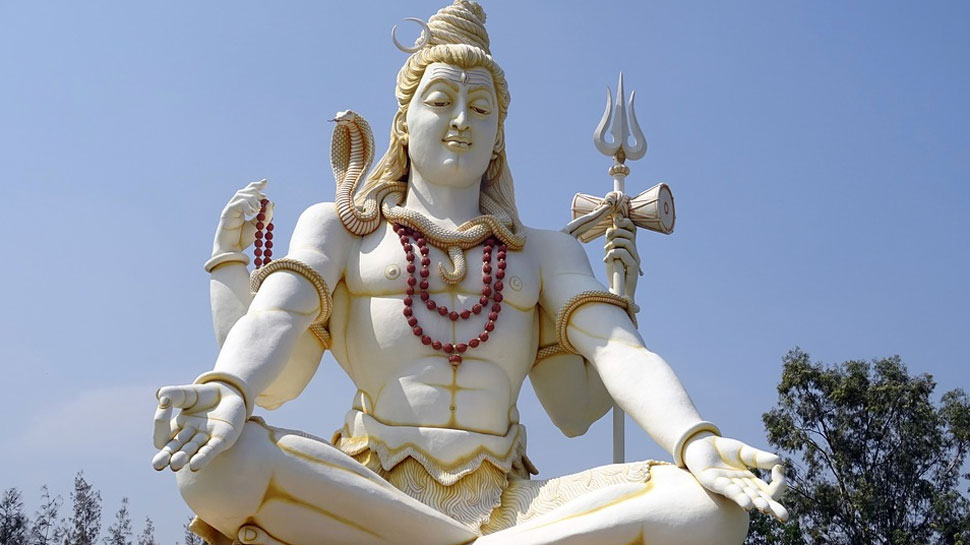 Shravan 2018: Sudarsan Pattnaik pays sand art tribute to Lord Shiva on first Monday of Sawan