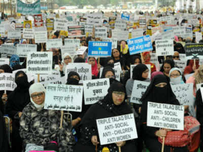 Cabinet approves provision of bail in instant triple talaq bill