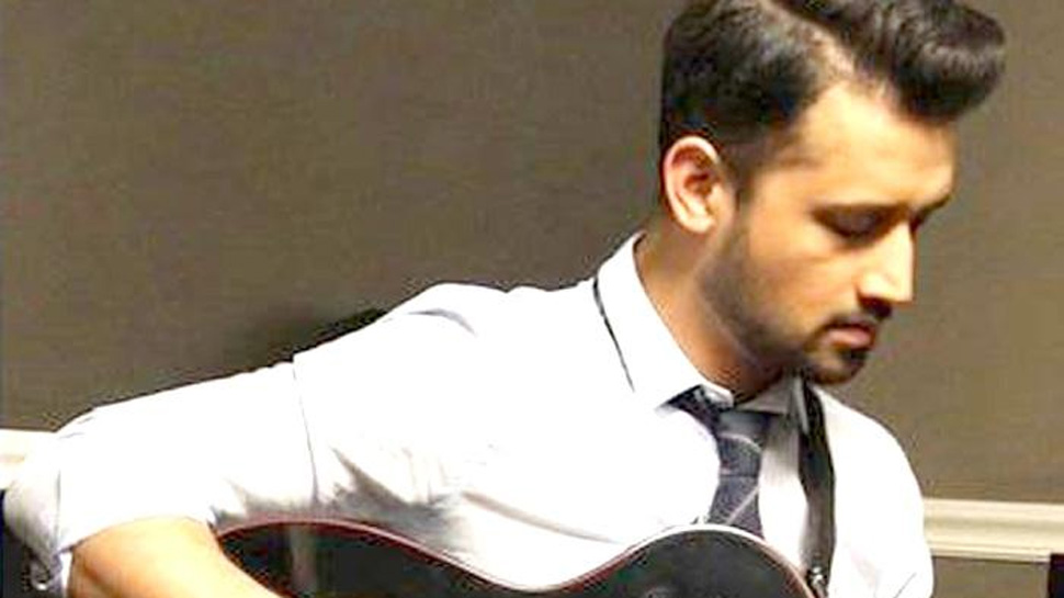 Pakistani singer Atif Aslam trolled brutally for singing Indian song at Pak Independence Day parade
