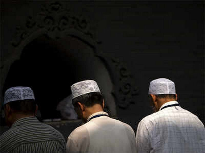 Large protest by Hui Muslims halts demolition of mosque in China: Report