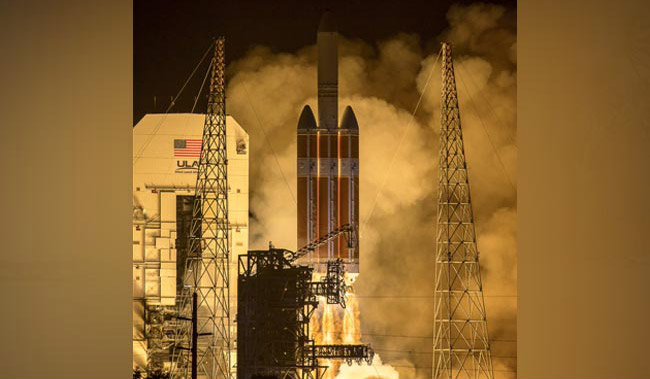 "Spacecraft To ""Touch Sun"" Blasts Off On Mission To Solve Solar Mysteries"
