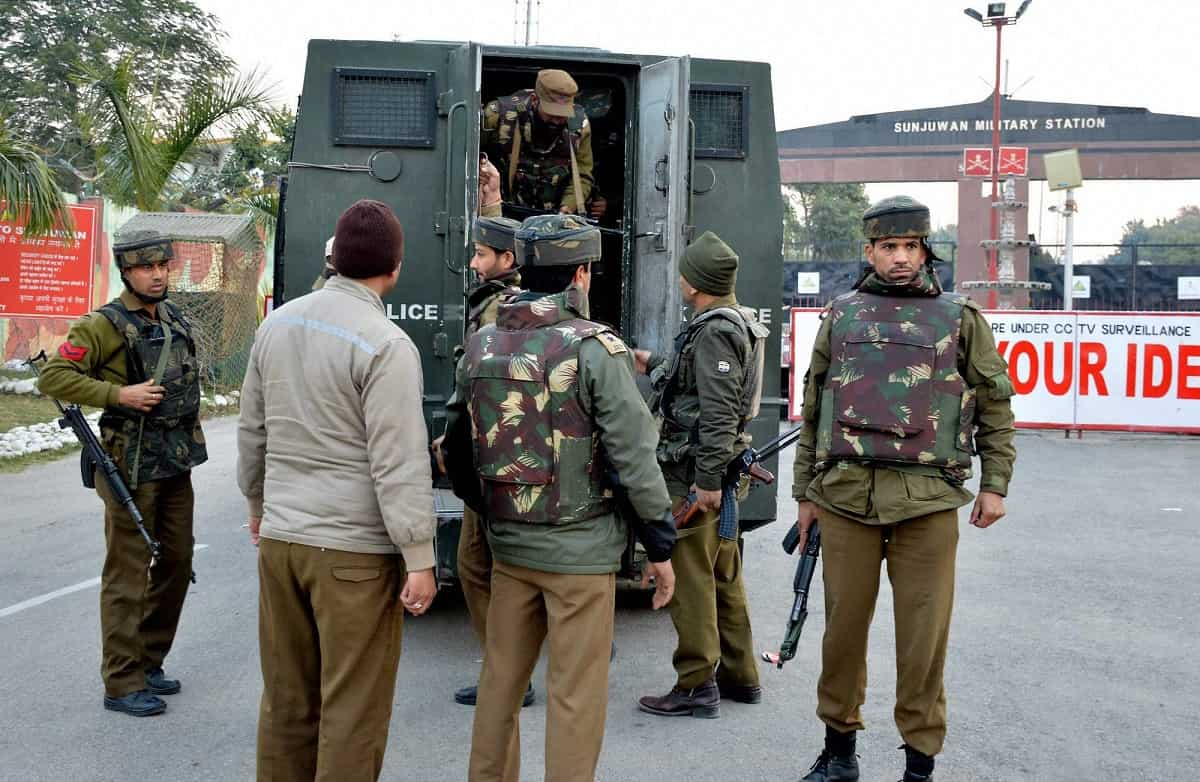 Militants kill policeman in Kashmir's Kulgam after Eid prayers