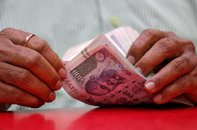 Rupee Hits Lifetime Low Of 71.10 Against US Dollar. 5 Points