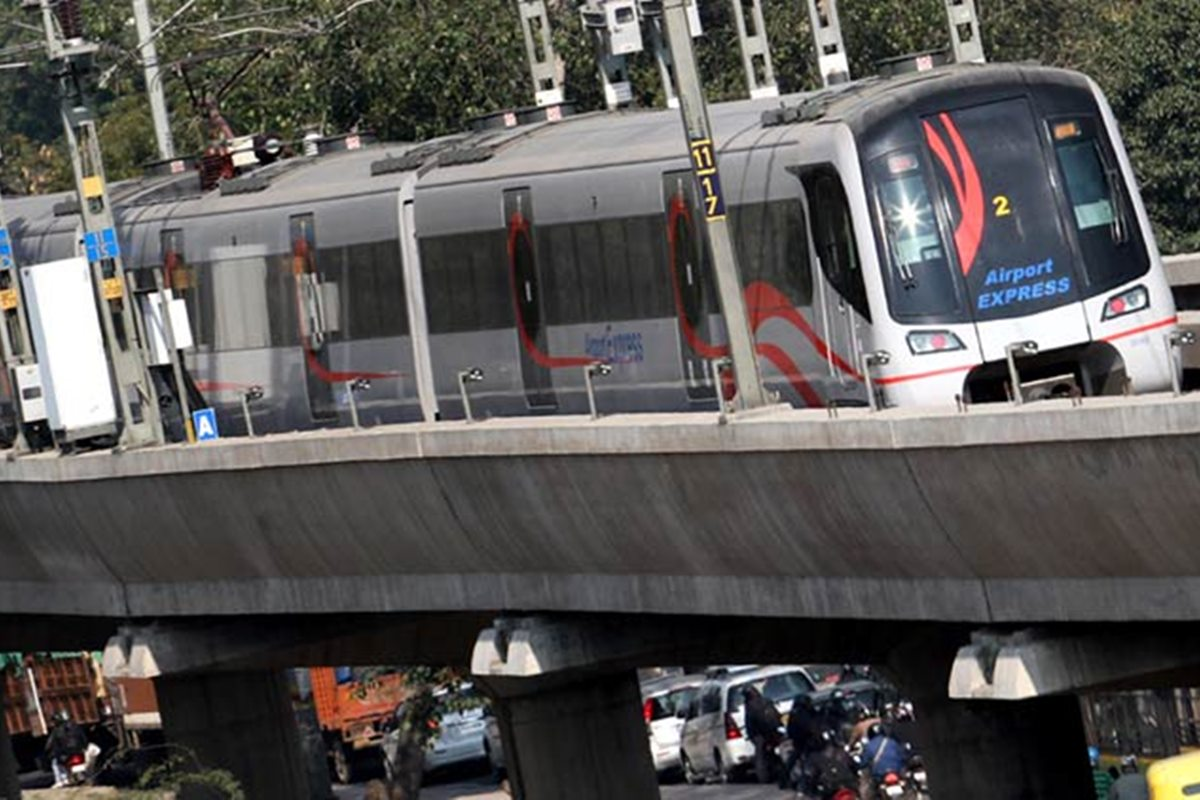 Delhi Metro Airport Express Line: Use your smartphone as ticket instead of tokens and smart cards!