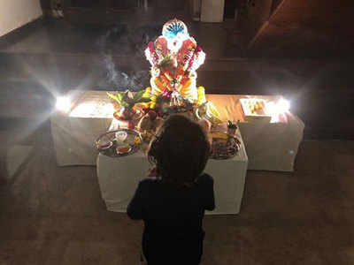 Shah Rukh Khan's Ganeshutsav celebration picture receives hateful comments