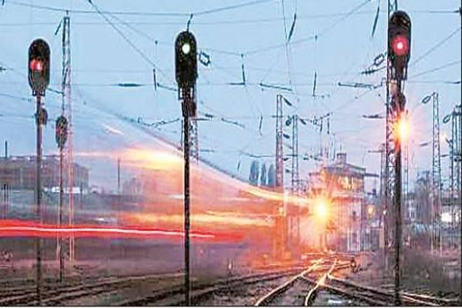 System based on radio waves: Railways to test European signalling system