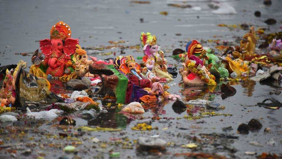 Yamuna littered as idols, debris remain uncleared