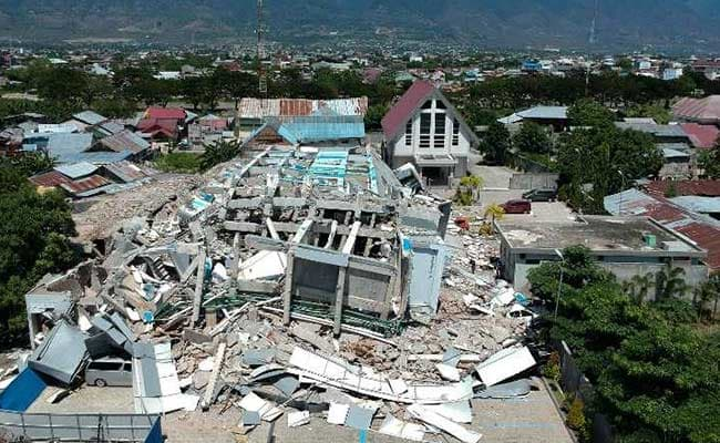 832 Killed In Indonesia Quake, Tsunami; Food Shortage, Looting Reported