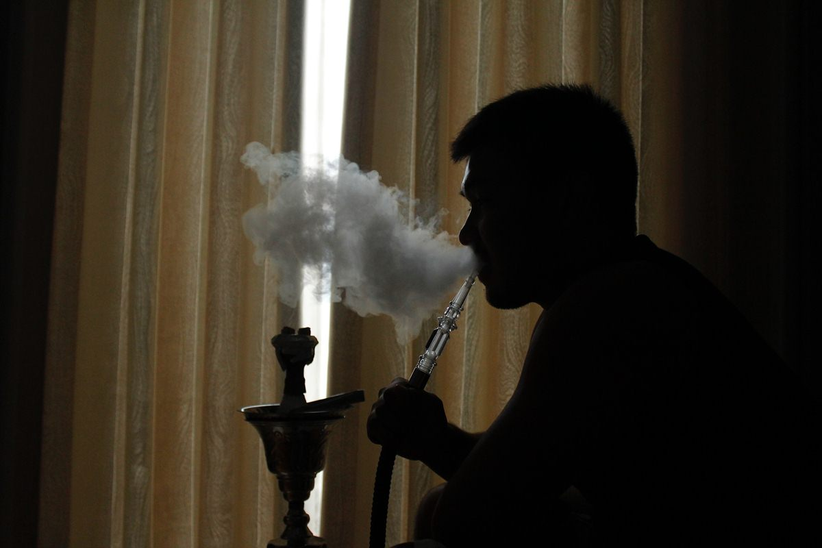 Hookahs can cause cancer more easily than smoking cigarettes, say doctors