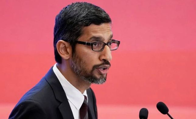 "Sundar Pichai Visits White House After Trump Says Google Search ""Rigged"""